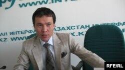 Жомарт Ертаев, бывший председатель правления акционерного общества «Евразийский Банк». Алматы, 8 июля 2009 года