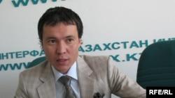 Жомарт Ертаев на фото 2009 года.