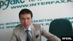 Еуразиялық банктің басқарма төрағасы болған Жомарт Ертаев. Алматы, 8 шілде, 2009 жыл.