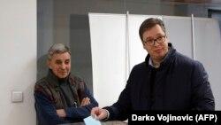 Izbori izazov i za vlast i za opoziciju: Aleksandar Vučić prilikom glasanja na lokalnim izborima marta, 2018.