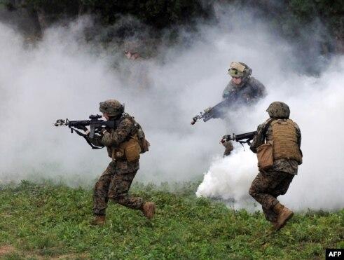 Militari americani se antrenează în apropiere de Lvov.