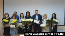На помощь малообеспеченным детям в Северной Осетии пришли меценаты. Правительство вручило им благодарственные письма