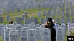 بخش مخصوص سربازان آمریکایی کشته شده در عراق در قبرستان ارلینگتون. (عکس: EPA)