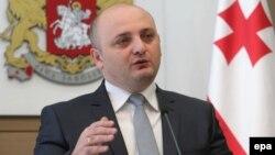Какой-либо готовности к встрече с депутатами министр обороны Миндия Джанелидзе пока не выразил, но, несмотря на это, его ждут в законодательном органе уже в ближайшие дни