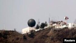 Радіолокаційна станція в демілітаризованій зоні, що розмежовує Північну Корею і Південну Корею