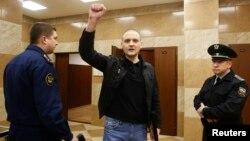 Сергей Удальцов перед заседанием в Мосгорсуде 18 февраля 2014 года