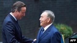 Ұлыбритания премьер-министрі Дэвид Кэмерон мен Қазақстан президенті Нұрсұлтан Назарбаев. Лондон, 3 қараша 2015 жыл.