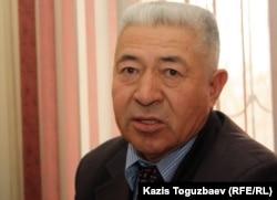 Хасан Дуйсекенов - отец Атабергена Дуйсекенова, застреленного полицейскими в дни декабрьских событий. Жанаозен, 16 февраля 2012 года.