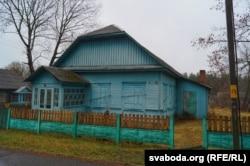 Будынак аптэкі, у якім зьбіраюцца ствараць музэй Алеся Адамовіча