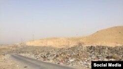 Мусорная свалка в пригороде Куляба. Фото читателя