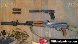 Լեռնային Ղարաբաղ -- Ադրբեջանական դիվերսիոն խմբից բռնագրավված զենք-զինամթերքը, Ստեփանակերտ, 10-ը հուլիսի, 2014թ․