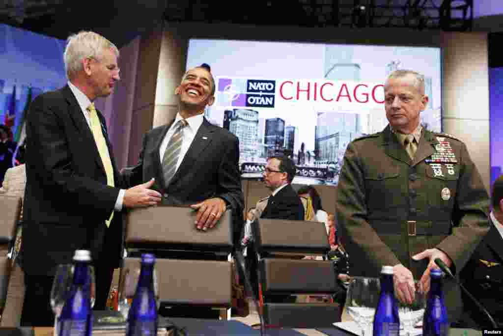 SAD - Američki predsjednik Barack Obama na NATO samitu u Chicagu, 21. maj 2012. Foto: Reuters / Larry Downing