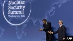 Barak Obama erməni həmkarı ilə, Vaşinqton, 12 aprel 2010
