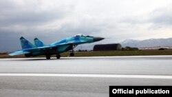 MiG-29 (foto arxivdəndir)