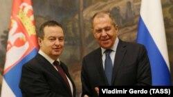 روس: د سربیا بهرنیو چارو وزیر اویڅا داڅیڅ له خپل روسي سیال سرګېلاوروف سره د اپرېل پر ۱۷مه (۲۰۱۹ کال) په مسکو کې ولیدل.