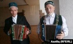 Илнар Кашапов (с) һәм Нуретдин Галиуллин