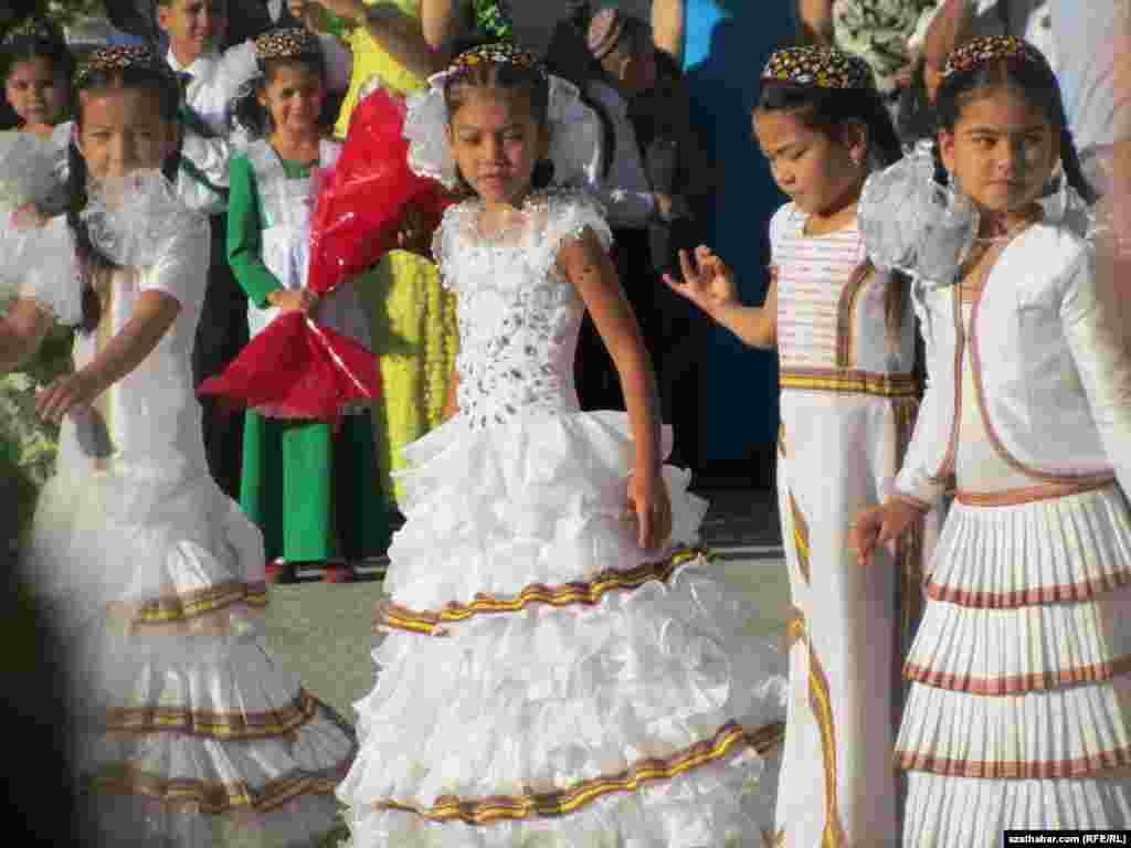 The first day of classes at School No. 55 in Ashgabat. Many parents in the Turkmen capital have received school requests asking to provide their children with all-white outfits for performances and other special occasions.
