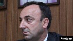 Ազգային ժողովի պետաիրավական հարցերի և մարդու իրավունքների հանձնաժողովի նախագահ Հրայր Թովմասյանը, արխիվ: