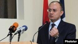 Ermənistanın müdafiə naziri Seyran Ohanyan