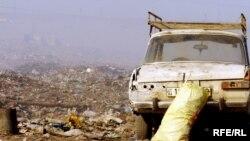 При продаже вторсырья из каждой тонны отходов можно получить по семь долларов на душу московского населения
