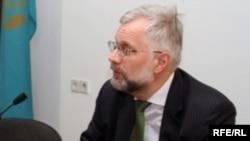 Председатель Национального банка Григорий Марченко на пресс-конференции.