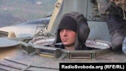Де ж ті гроші, які збирають на українську армію?
