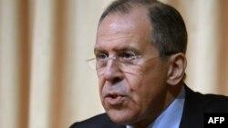 وزیر امور خارجه روسیه عدم پافشاری بر دولت برامده از تجمعات میدان را راه حل خروج از بحران در اوکراین دانست