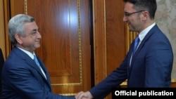 Президент Армении Серж Саргсян и спецпредставитель ПА ОБСЕ по вопросам Южного Кавказа Кристиан Вигенин (справа), Ереван, 29 сентября 2017 г.