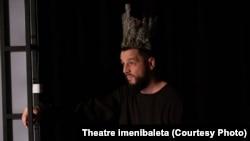 Постановка «Три девицы под окном, маг-король и принц с конем» театра Theatre imenibaleta.