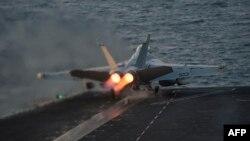 نیروهای ائتلاف به رهبری آمریکا حملات هوایی در سوریه علیه اسلامگرایان را از ماه سپتامبر آغاز کردهاند
