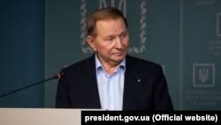 Голова української делегації на переговорах у Мінську Леонід Кучма