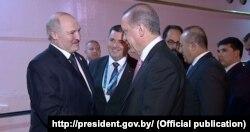 Аляксандар Лукашэнка і Рэджэп Эрдаган падчас сустрэчы ў Стамбуле. Стамбул, красавік 2016 года