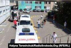 У лікарні швидкої допомоги у Львові наплив хворих