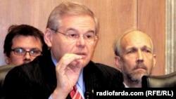U.S. -- Senator Robert Menendez (D-NJ) speaks in Washington, 07Dec2011.