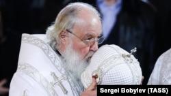 Патриарх Московский и всея Руси Кирилл во время отпевания бывшего мэра Москвы Юрия Лужкова, 12 декабря 2019 года