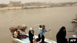 قوارب النقل النهري في بغداد