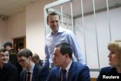 Алексей Навальный в суде, 19 декабря 2014 года
