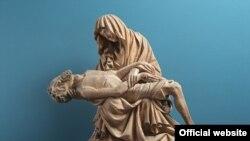 Steinberg Pietà, ca. 1420–30, achiziționată în 1953, Liebieghaus Skulpturensammlung, Frankfurt am Main Photo: Liebieghaus Skulpturensammlung ARTOTHEK