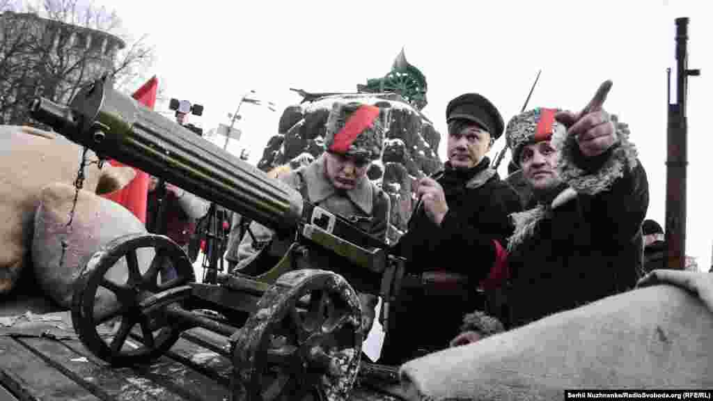Вперше в місті Києві, на історичному місці, відбулася реконструкція бою військ УНР проти більшовиків за завод «Арсенал» – подій кінця січня 1918 року