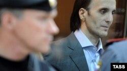 Юсуп Темерханов, признанный присяжными виновным в убийстве бывшего полковника Юрия Буданова, в зале заседаний Мосгорсуда