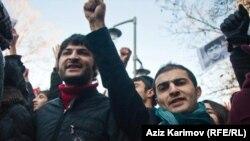 Молодежный активист, член гражданского движения «N!DA» Рашад Гасанов на демонстрации. Баку, 2013