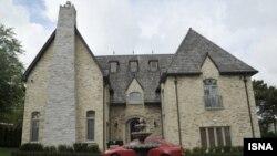 خانهای که گفته میشود به نام محمود رضا خاوری در تورنتو است.