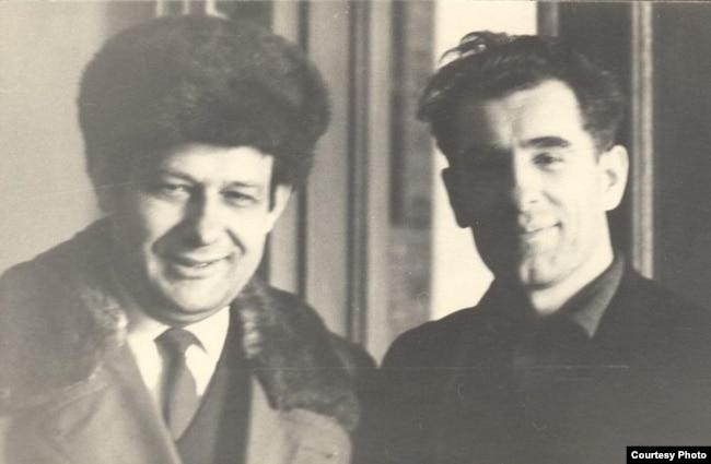 Іван Мележ і Ніл Гілевіч. Пачатак 1970-х гг. (з архіву сям'і І. Мележа)