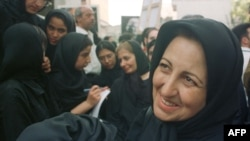 Pro-reform lawyer Shirin Ebadi during the funeral of Ahmad Shamlu, Iran's most celebrated contemporary poet, in Tehran, July 24, 2000