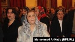 مسيحيون في كنيسة بالموصل