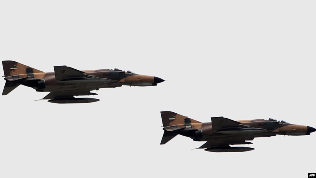 e59163dee052ba U.S. claim that Iranian Phantom fighter jets have hit IS targets in recent  days.