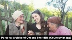 Te bake koje sam snimala, koje su glavne protagonistkinje u mom filmu, jesu bake sa kojima sam ja kao mala čuvala ovce, kaže Maja Novaković