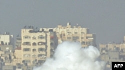 Израиль әскерінің танкілері Газадағы Бейіт Лахада тұр. 7 қаңтар, 2009 жыл.