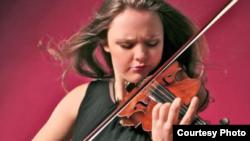Violonista Alexandra Conunova-Dumortier