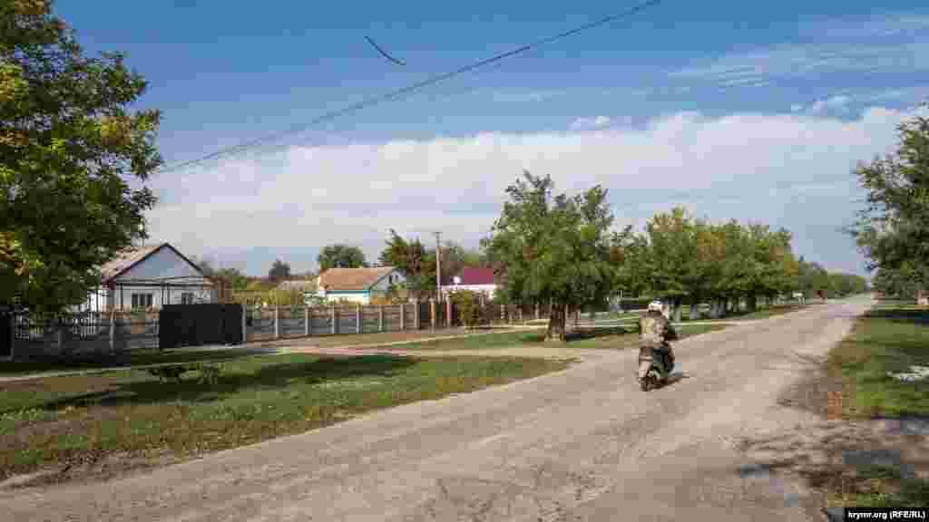 Улица Колхозная – главная транспортная артерия села